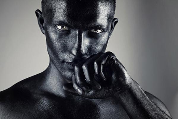 人体艺术赏_组图:极致华丽惊艳 人体彩绘艺术摄影赏